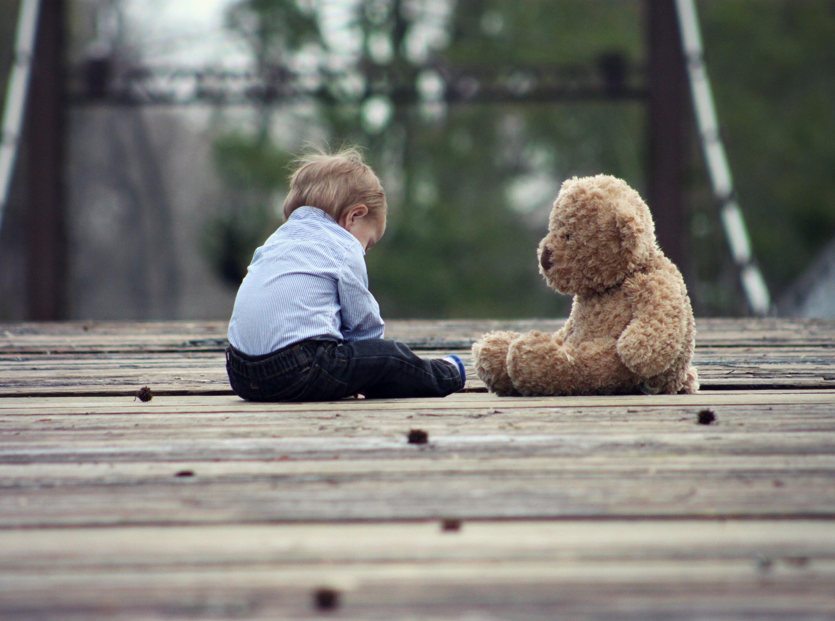 Spotyka się z samotnym ojcem z pełną opieką