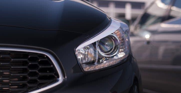 światła Led Do Jazdy Dziennej W Samochodzie Ile Tak